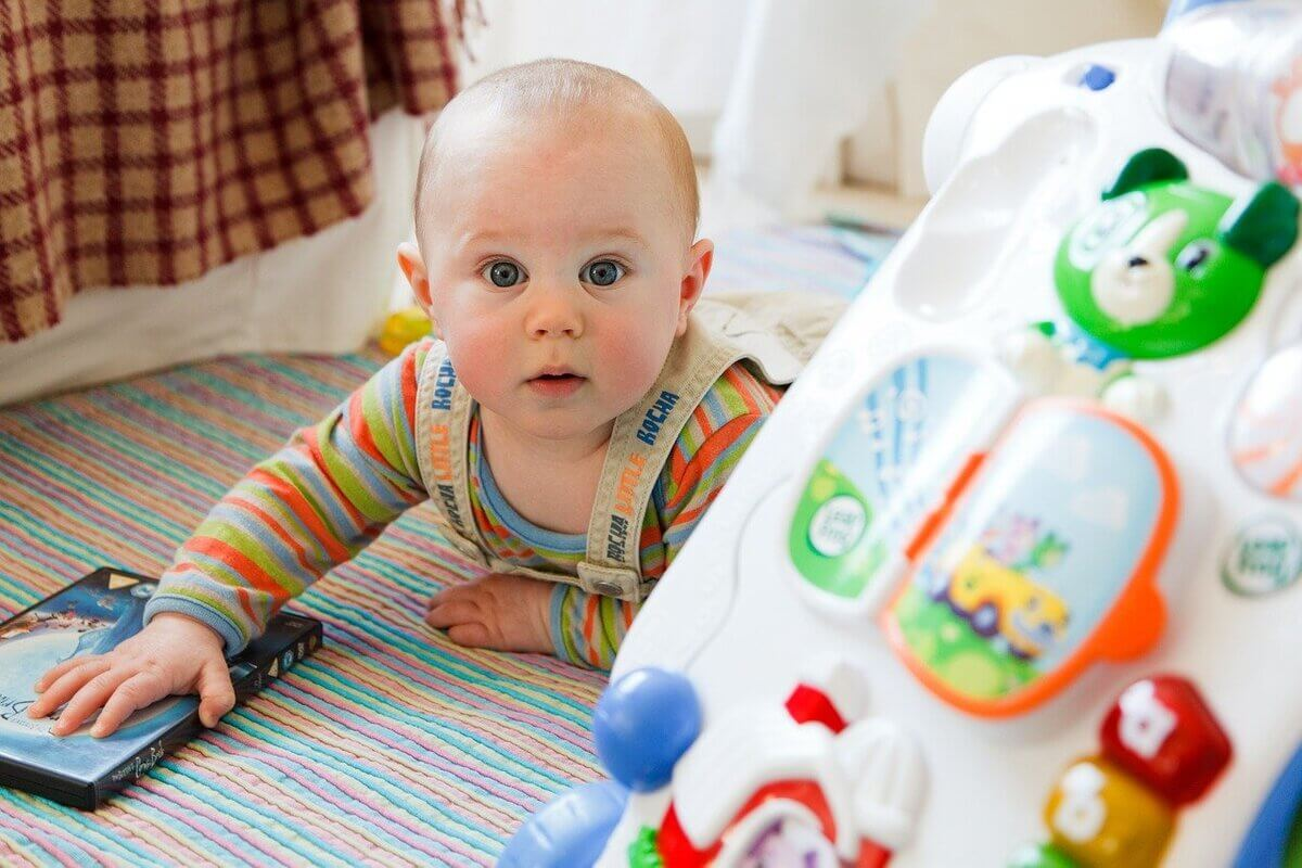 Juguetes interactivos para bebés de 0 a 6 meses
