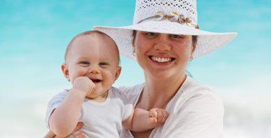Puedo ponerle crema solar al bebé si tiene menos de seis meses